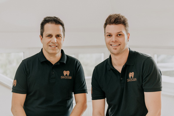 Geschäftsführerin Frau Petra Sandmair und Zahntechnikermeister Daniel Sandmair